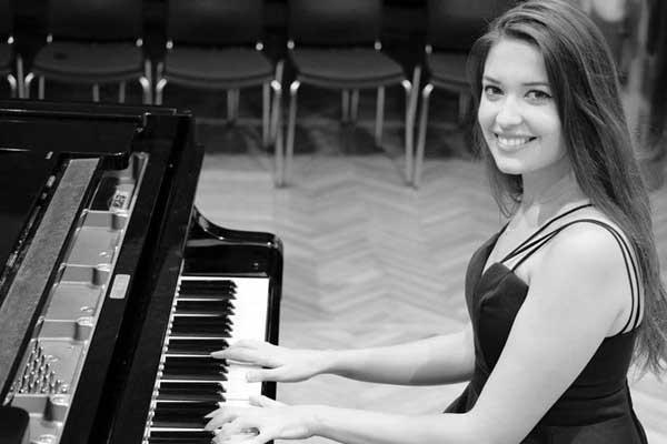 Lucia Gavilanes